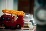 g玩具の消防車a0001_017039